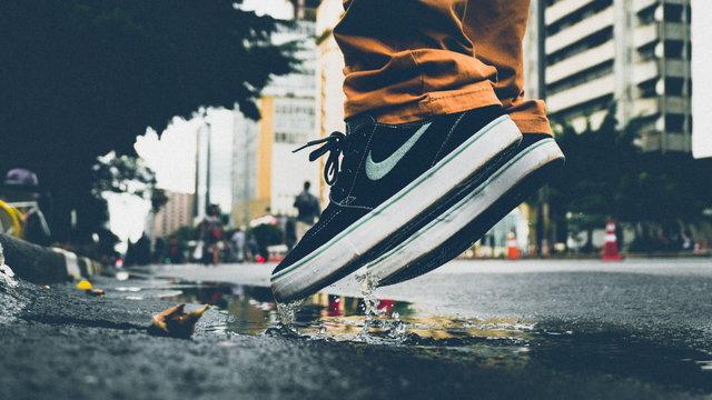Action building city footwear jumpshot