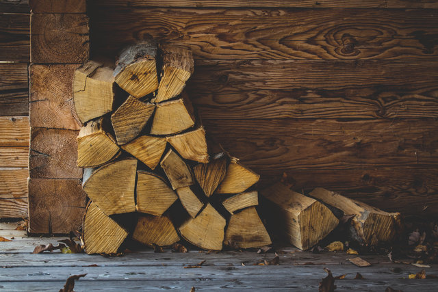 Cabin wall carpentry chopped wood color dry leaves