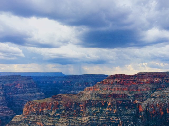 Canyon cliff cloudy dawn desert