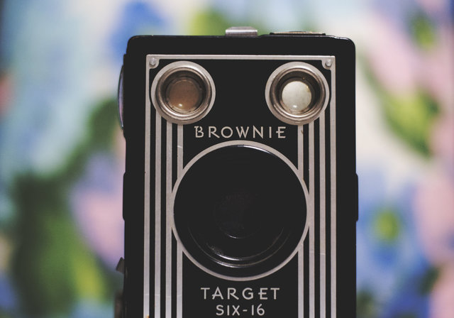 Analogue antique blur brownie camera