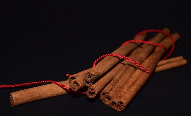Cinnamon cinnamon sticks christmas spice fragrance