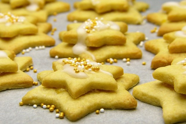Christmas biscuits star icing sugar cookie cutter