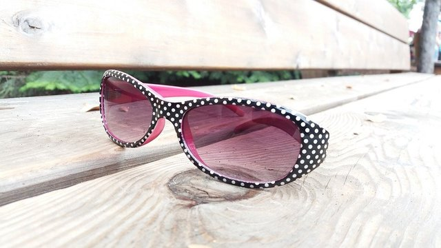 Sunglasses polkadot pink girl woman