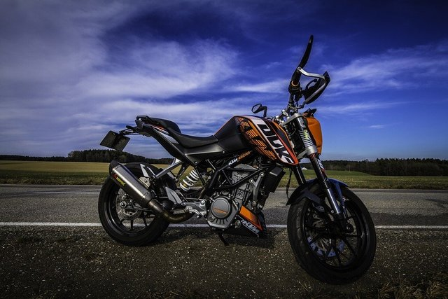 Motorcycle ktm duke sky orange
