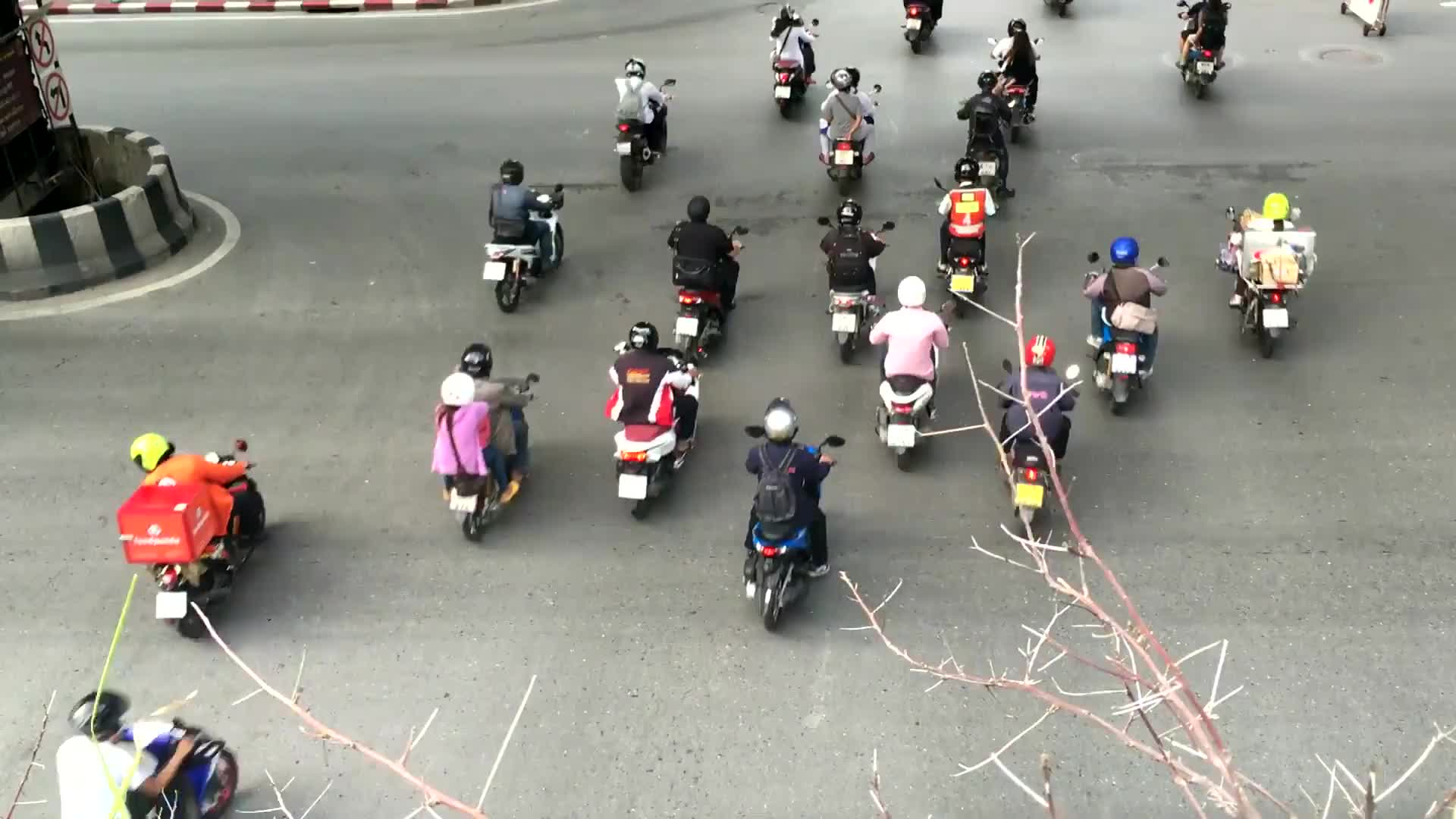 Video of motorcycles and cars on the road