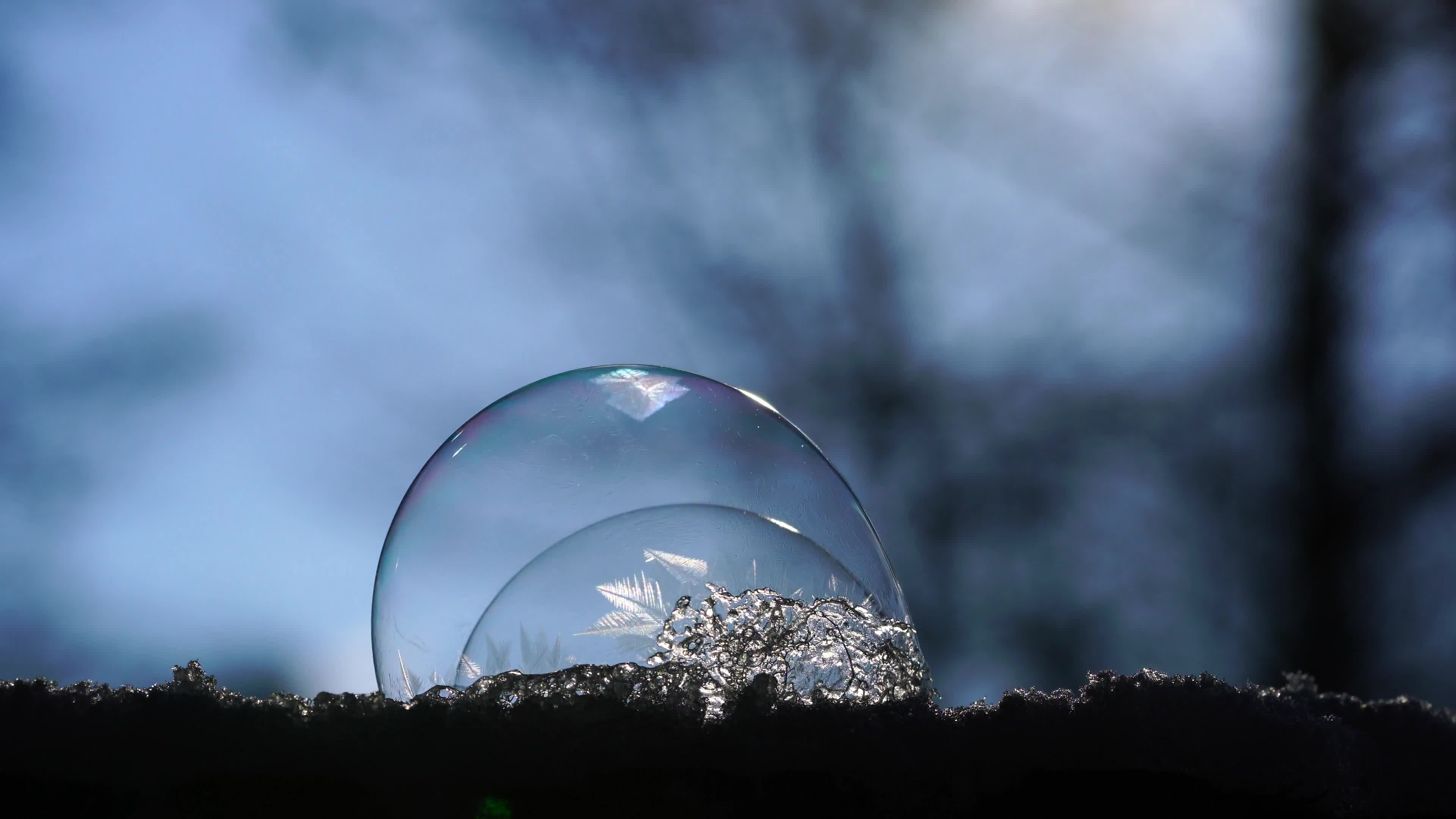 Video of water bubble crystallizing