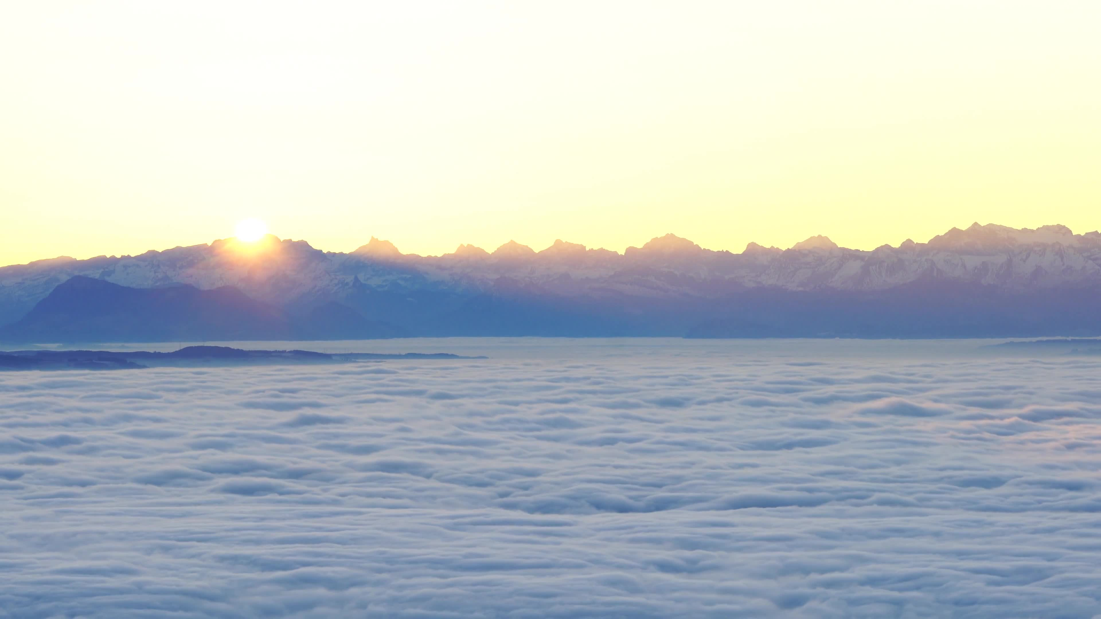 Video of sea of clouds during sunrise