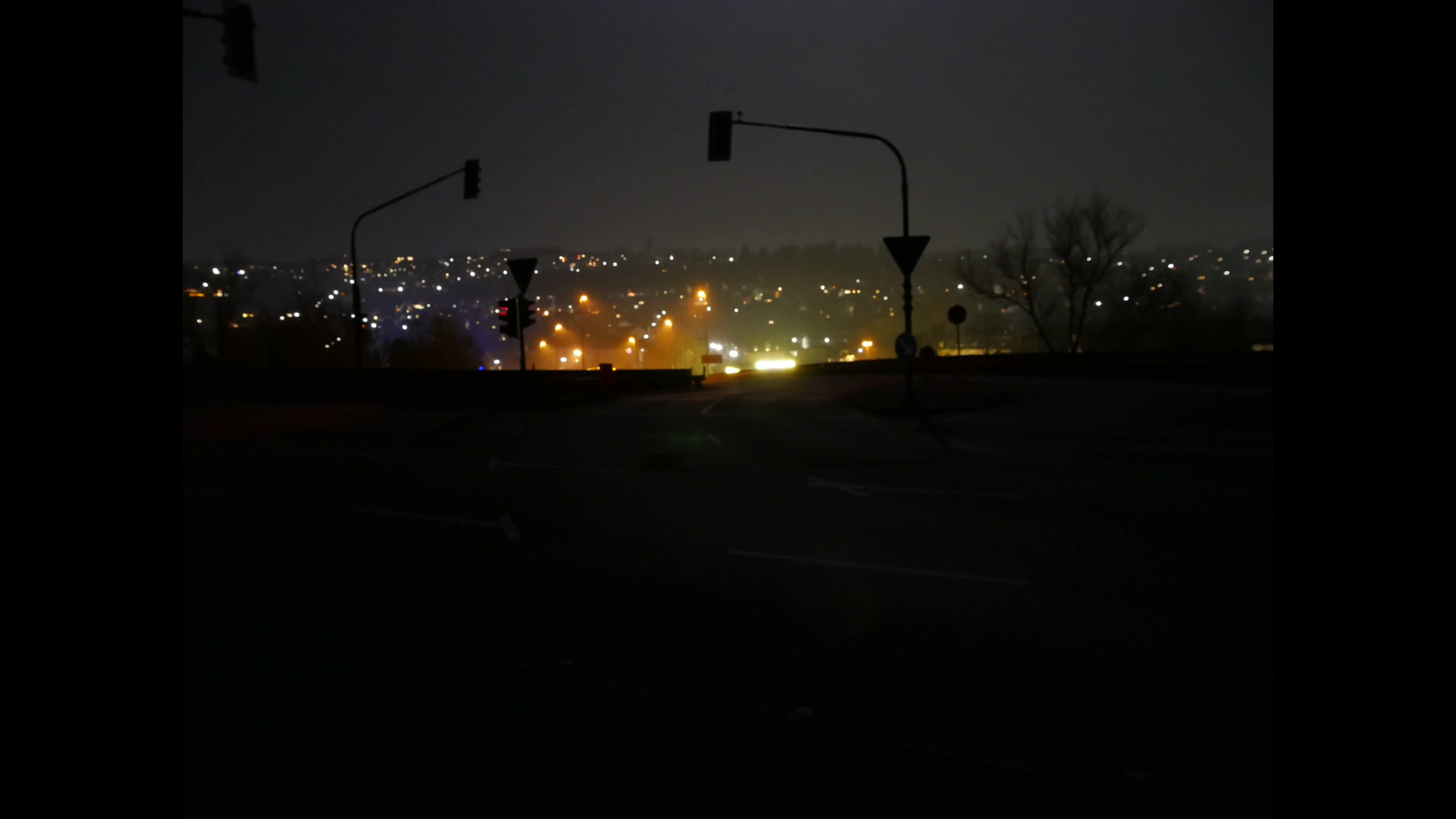 Video of road during night