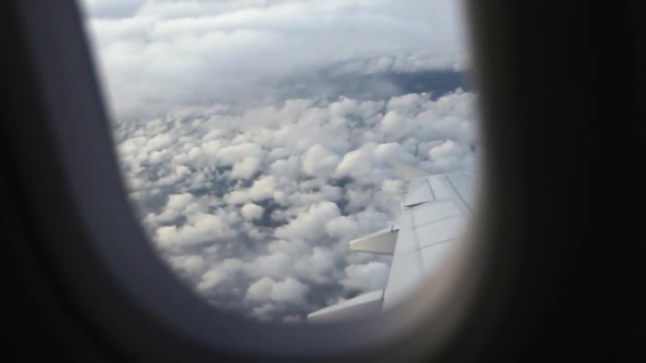 Airplane voyage window porthole flying