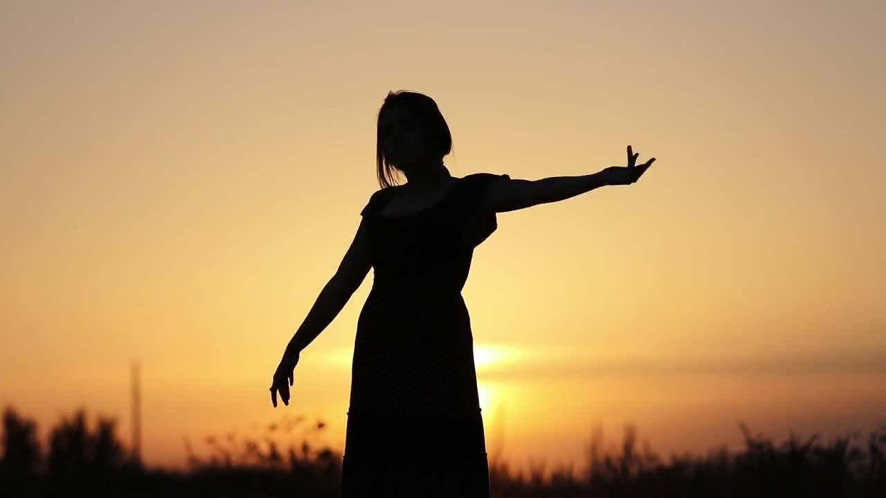 Silhouette dance girl sunset sun