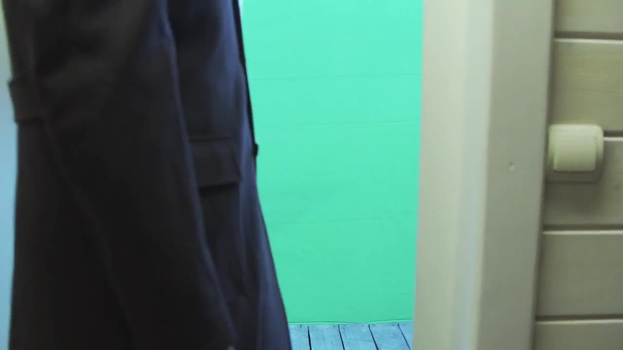 Chromakey door exit outdoors green screen