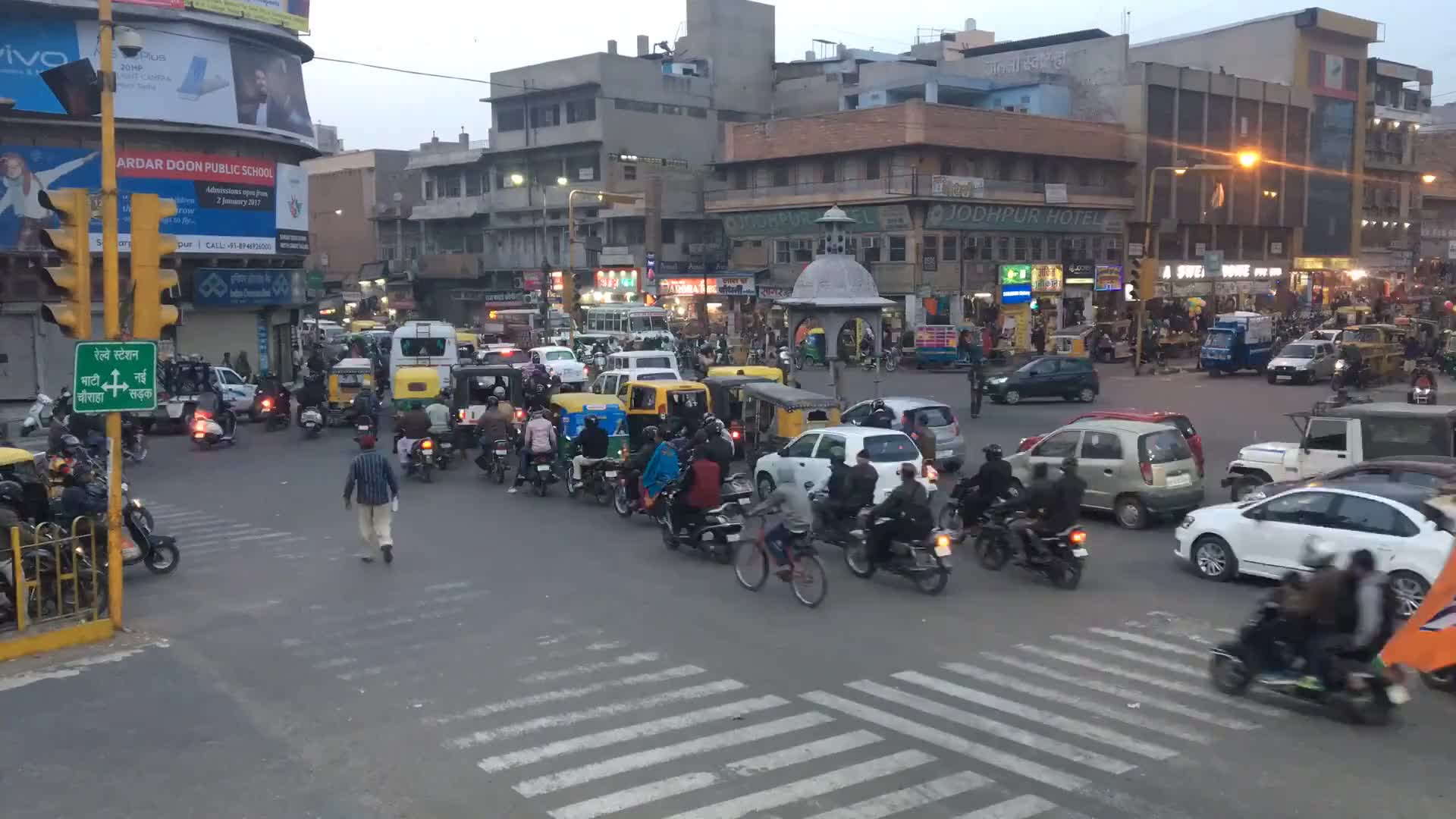 India crossroads traffic busy road